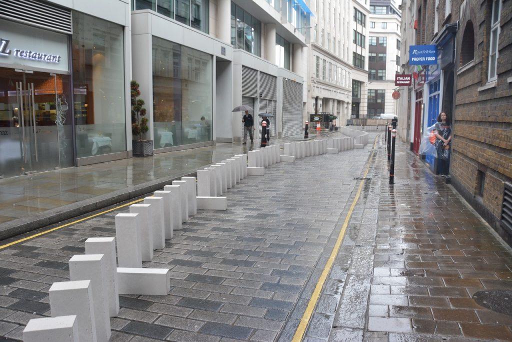 The blocks winding down Foster Lane. Photo © Barry Hamilton.